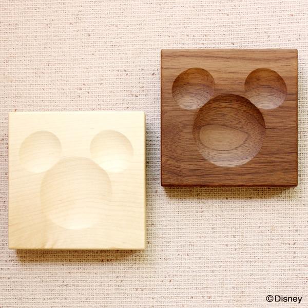 天然木を削りだして作ったミッキーマークがクリップをキャッチします