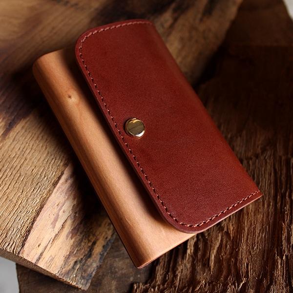 使うほどに愛着増す木と革の名刺入れ「Flap Card Case」/北欧風デザイン・メンズ・レディース