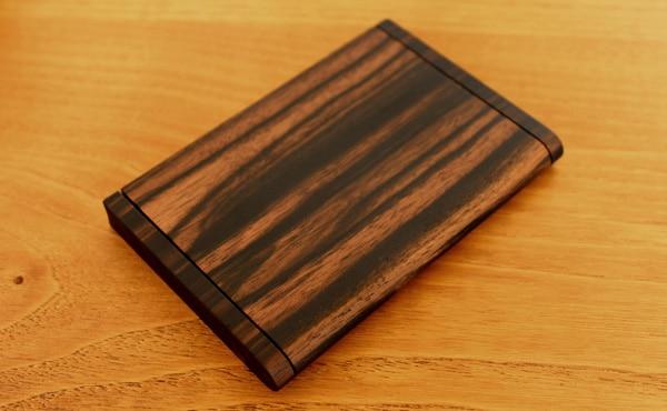 縞黒檀の木製カードケース