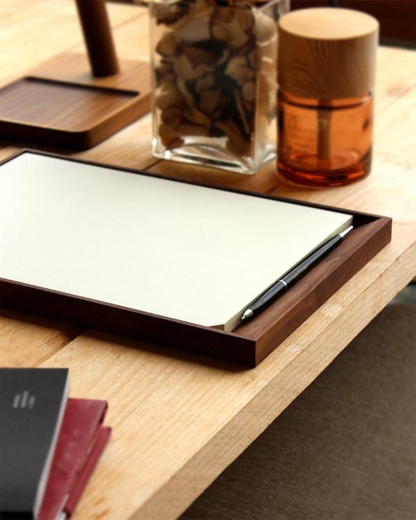 Hacoaの職人が作る、デザインフィルのMDペーパーパッド専用木製メモトレイ。