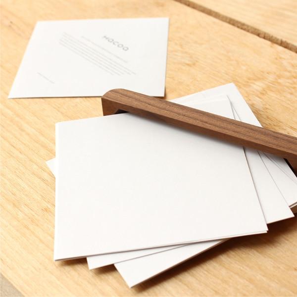 s専用メモ用紙が付属。無地のメモ紙で使い易い。