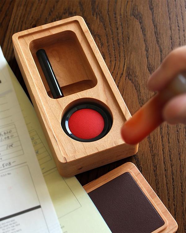 革の捺印マット付き木製印鑑ケース「Stamp Case Mサイズ」