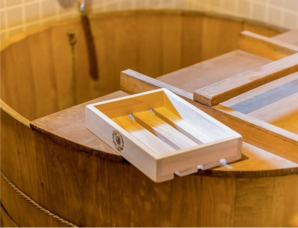 木箱はなるべくお湯や水のなかに浸けないようにしてください(変形の原因となります)