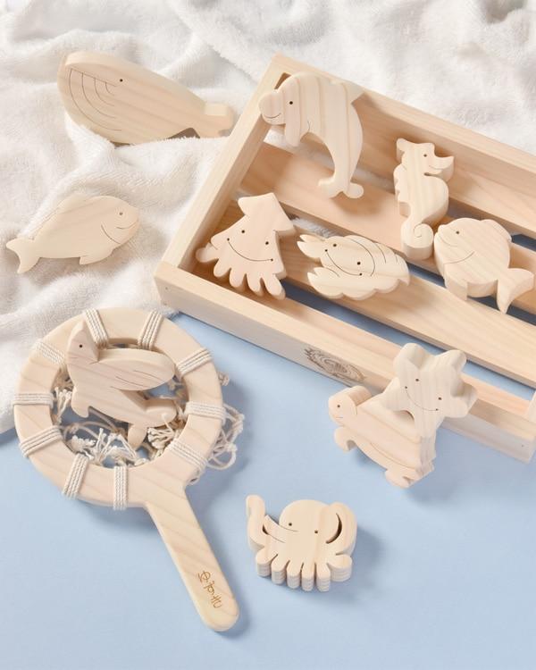 【名入れ込】国産ヒノキで作られたお魚たちに癒されるおもちゃ「おふろでちゃぷちゃぷ」