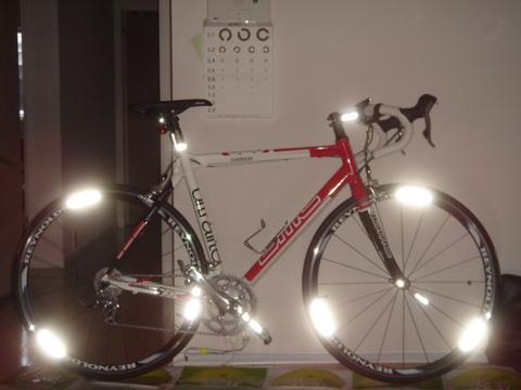自転車へ貼付け AP1000