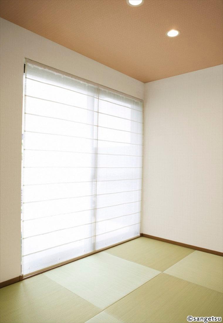 サンゲツSPクロス和調を貼った紙布調壁紙の部屋