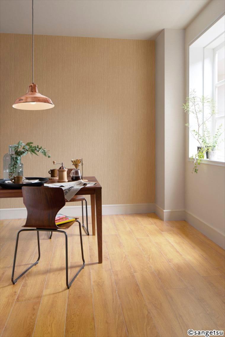 サンゲツSPクロス パターン 木目調 カラーを貼ったナチュラルインテリア向けの部屋