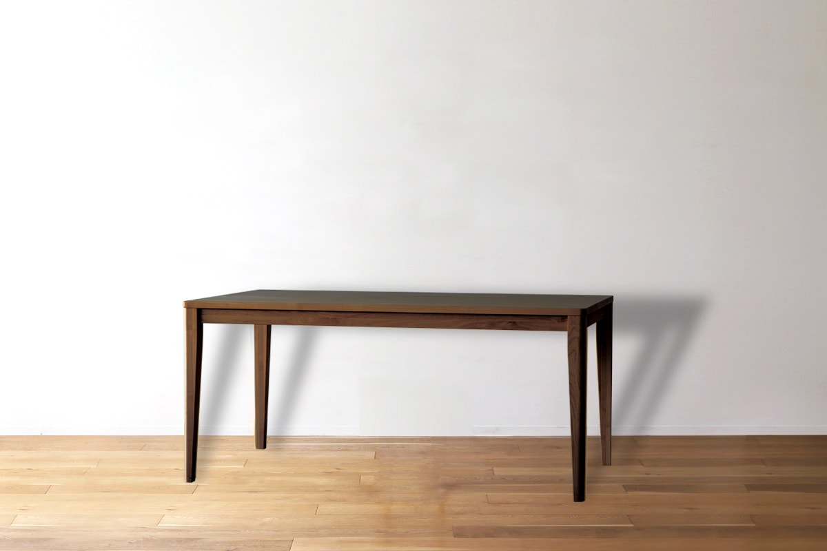ウォルナットのダイニングテーブルコーディネート