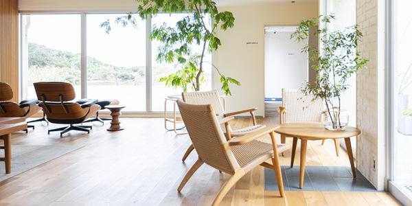 ゲストハウスと家具の小さな物語
