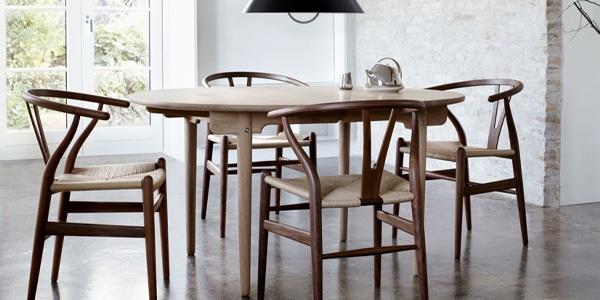 カール・ハンセン&サンの対象テーブルとチェアを購入で、1脚プレゼント