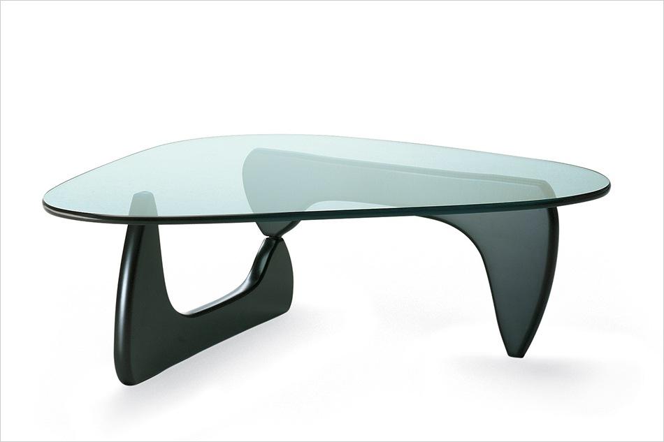 世界的な彫刻家が手掛けた、デザイナーズ家具の名作