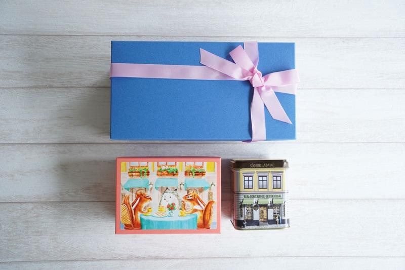 写真:西光亭 北欧紅茶のクッキー 箱にメッセージが付いているので贈答用にも最適!
