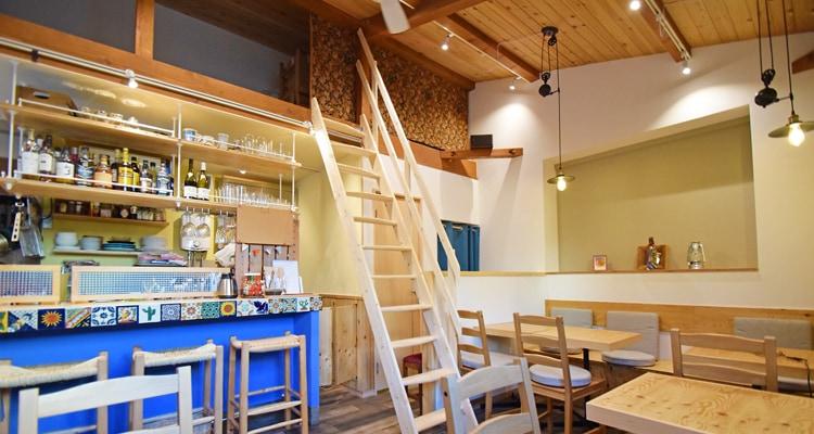 北欧産デザインステップ木製ロフト階段は部屋の中から直接昇降可能