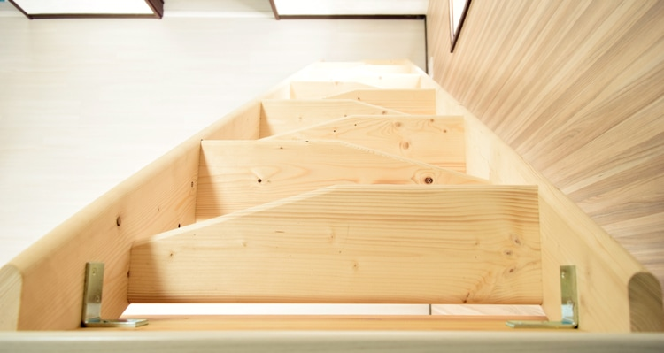 北欧産デザインステップ木製ロフト階段は台形のような踏板