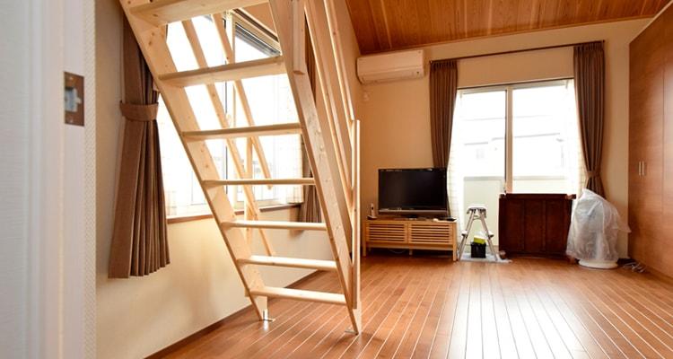 北欧産ワイドステップ木製ロフト階段は選ぶ自由を提供