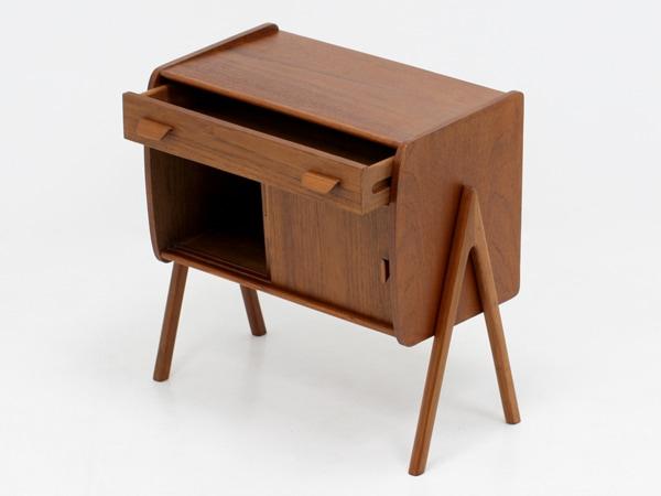 北欧デザイン家具,Klokken,クロッケン,チーク材,ミニキャビネット