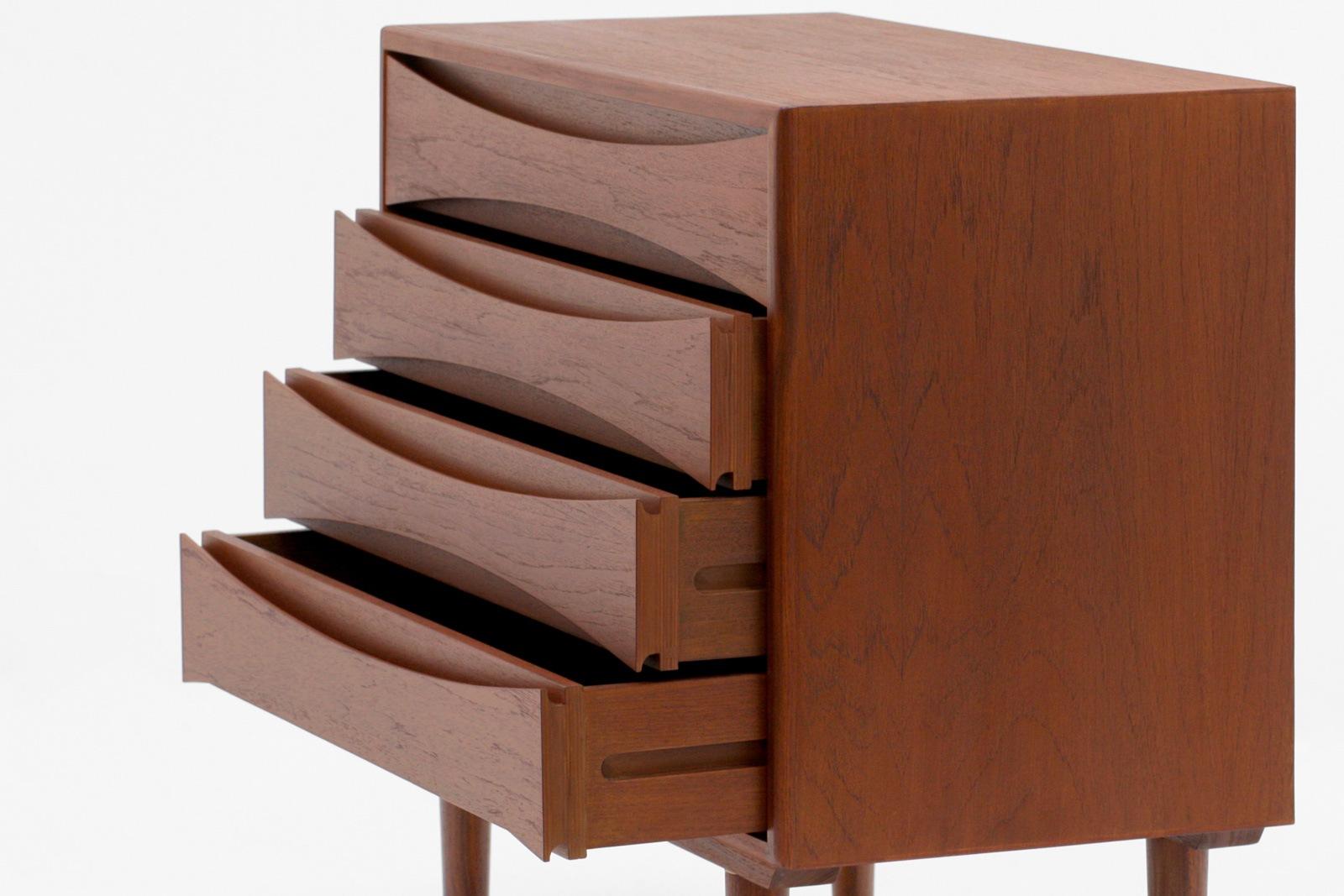北欧,デザイン,家具,クロッケン,チーク材,4段,チェスト