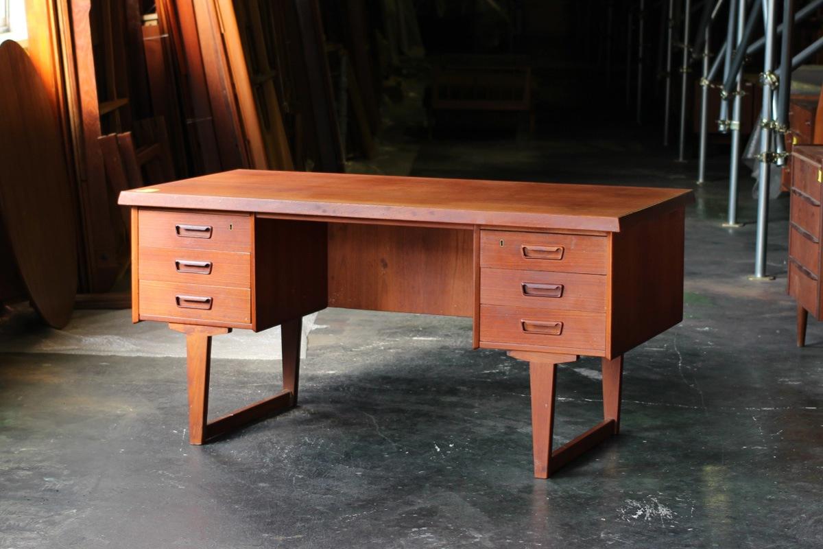 ヴィンテージ,北欧,家具,デンマーク,両袖デスク,幅150cm