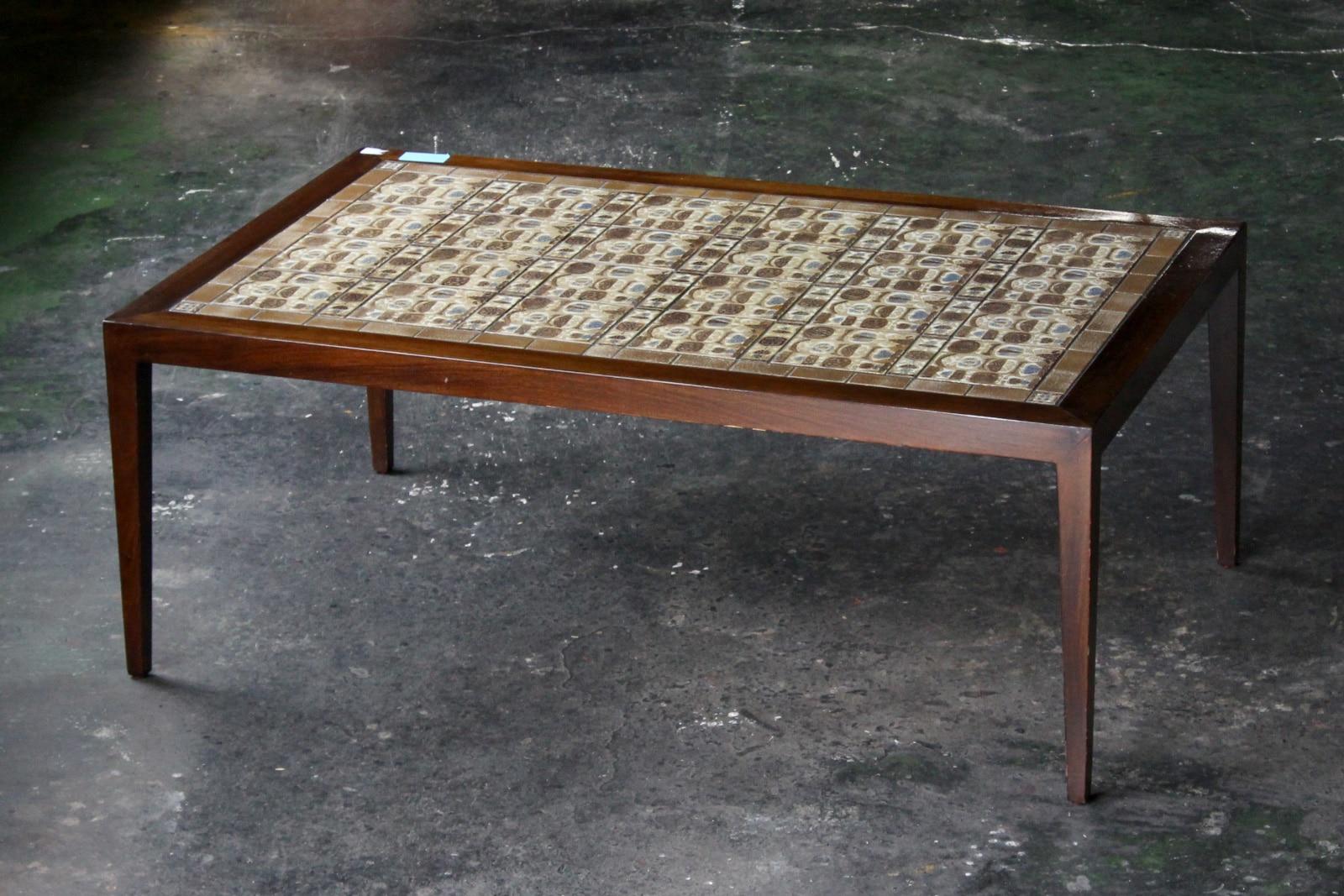 北欧,デンマーク,家具,ロイヤルコペンハーゲン,バッカ,タイルトップ,テーブル