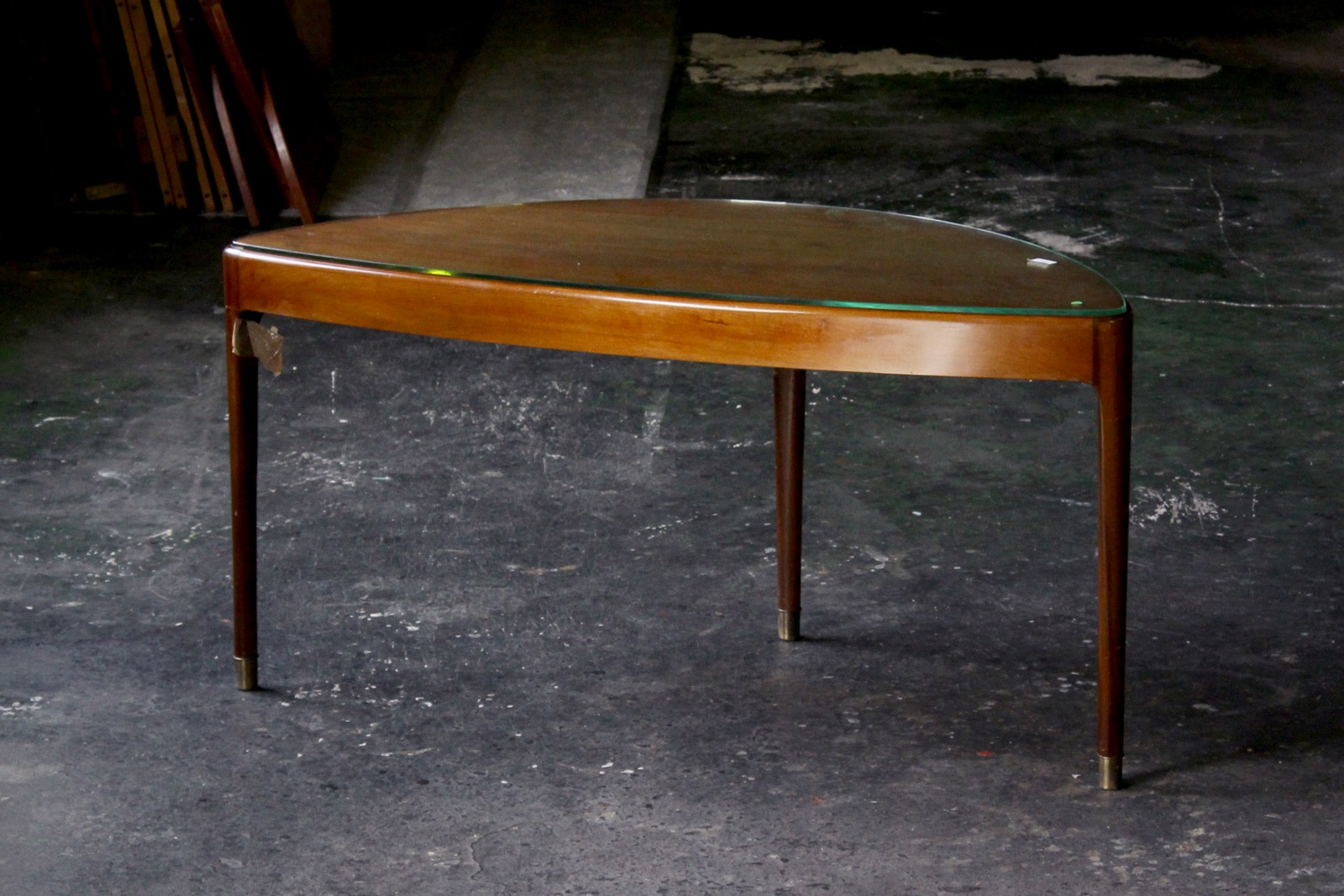 北欧,ヴィンテージ,家具,コーヒーテーブル,半月型,3本脚