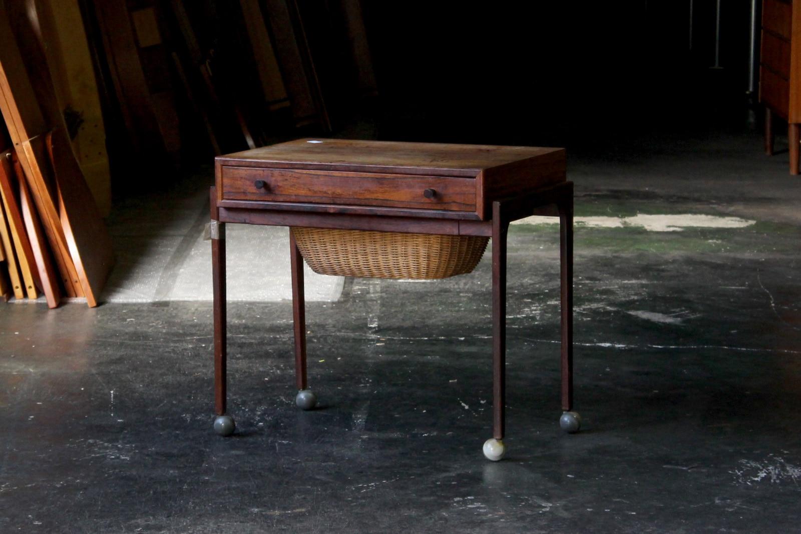 北欧,デンマーク,家具,ソーイングテーブル,籠付き,ローズウッド材