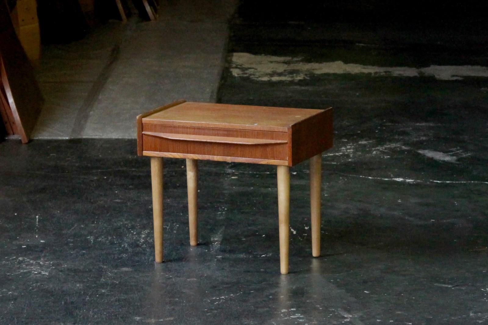 北欧,ミッドセンチュリー,家具,チェスト,小さい