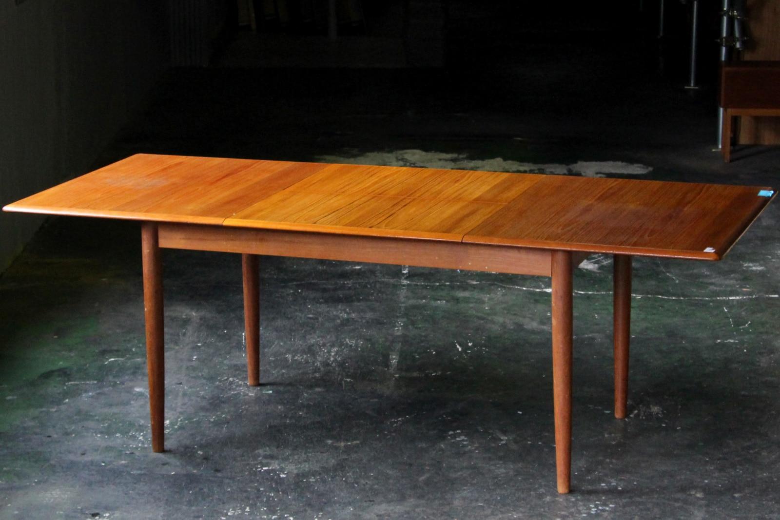 北欧,ヴィンテージ,ダイニングテーブル,格納式リーフ,大きめ,140cm
