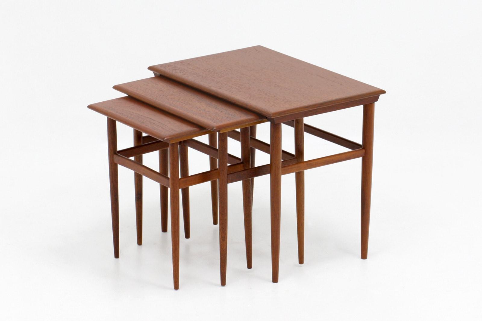 北欧,ミッドセンチュリー,家具,ネストテーブル