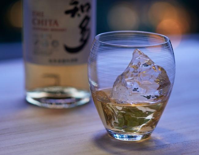 サントリーウイスキー「知多」×Sghr 風香るロックグラス