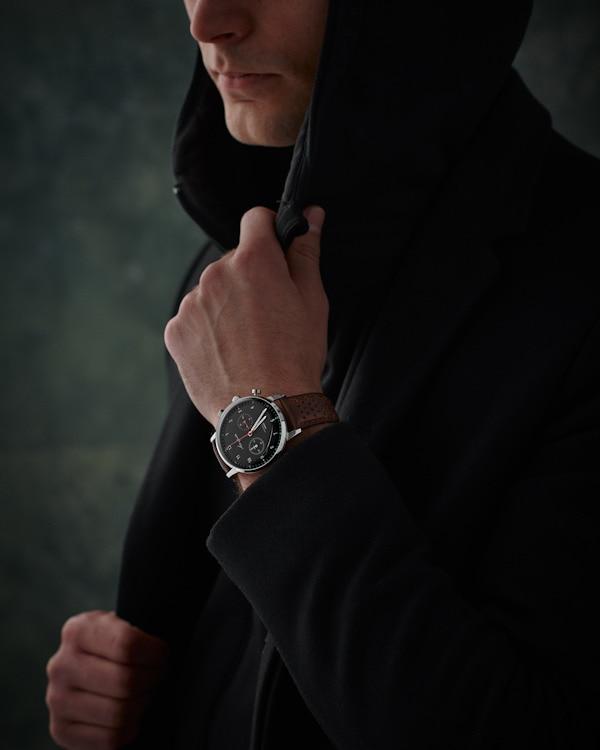 スウェーデン人の着用イメージ-ブラックバージョン