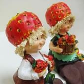 お座り人形イチゴ