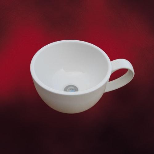 コーヒーカップの形が人気の洗面ボウル