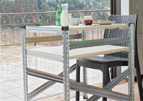 メタルテーブル