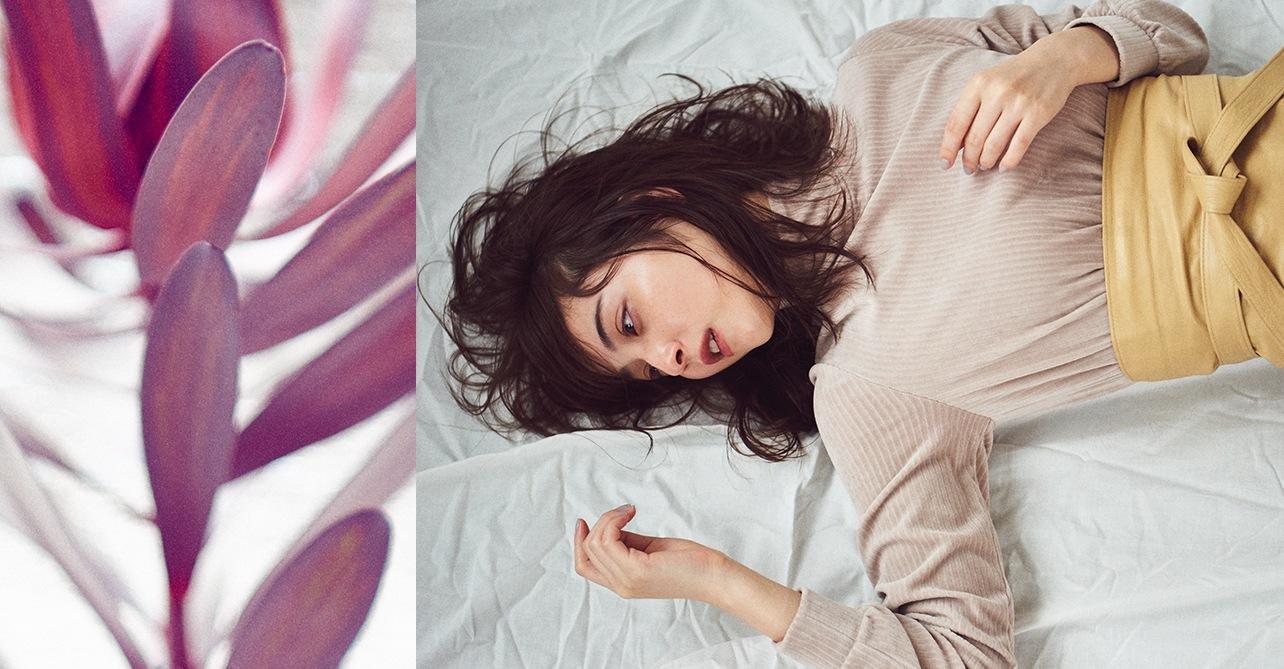 女優の佐々木希 プルオーバー着用イメージ