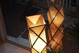 アジアン照明。サンダルウッド等自然素材のスタインドライト