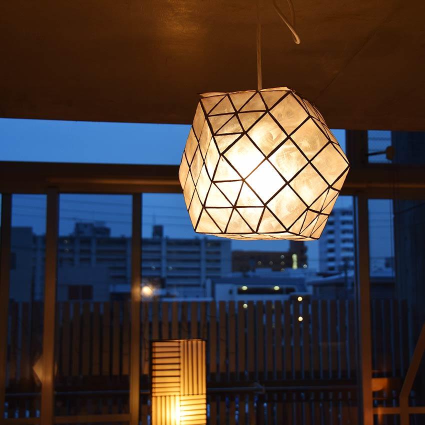 アジアン天井照明。シェルのペンダントライト