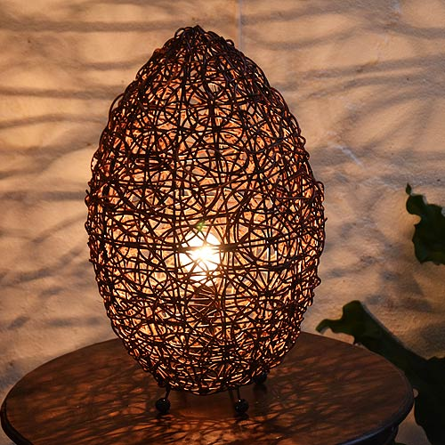 アジアン照明。ラタンのたまご型ライト