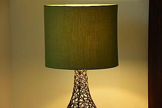 アジアン照明。モダンアートなテーブルライト