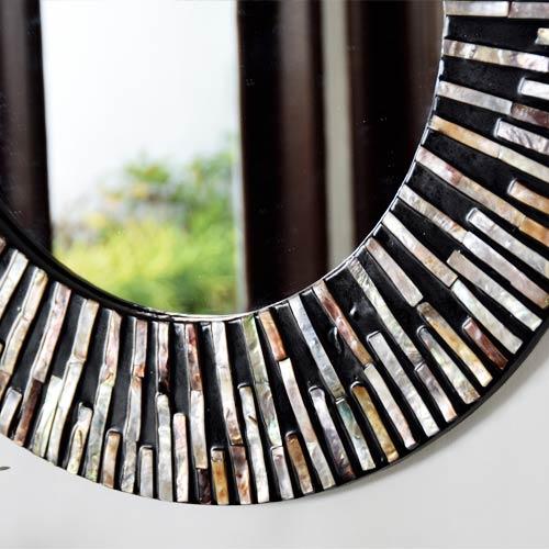 ウォールミラー、洗面鏡、リゾートテイストのシェルの丸型鏡