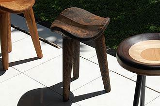 アジアン家具。おしゃれなデザインインテリアスツール