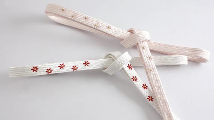 春のおすすめ和装小物 帯締め「角朝小花刺繍」桜色 桜の帯締め 井澤屋