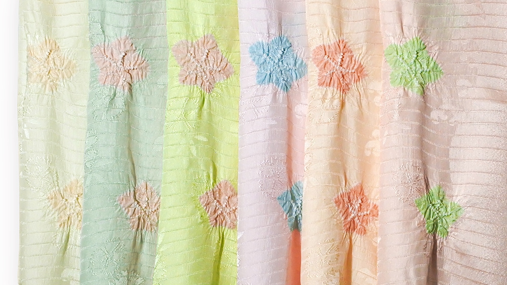 夏の帯揚げ「紋意匠絽 色地輪出桔梗絞り」和装小物 井澤屋