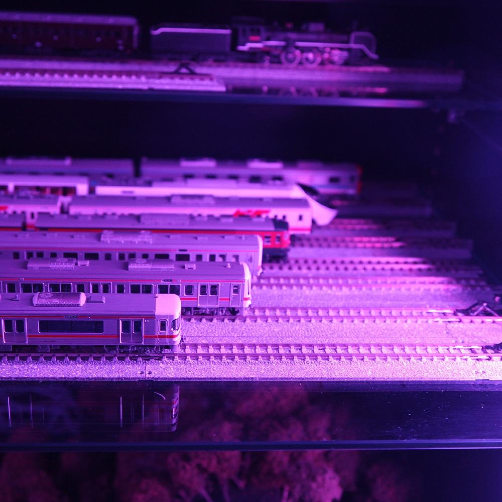 コレクションラックレギュラー、コレクションラックワイド兼用 専用LEDRGBモジュール ロータイプ専用 CR-RGB-L 使用例03
