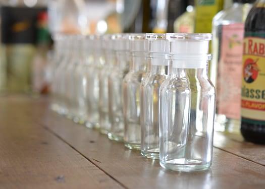 レギュラーサイズのスパイスボトル