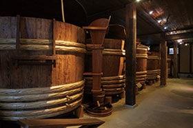 三重県産の米から麹や酵母を使用して発酵