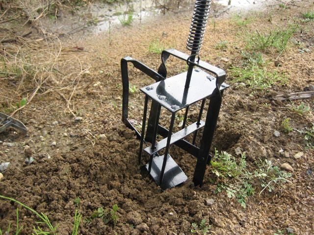 モグラ撃退 D型モグラ捕り 畑や庭に出てくる迷惑なもぐらを機械的に退治するモグラ駆除機!