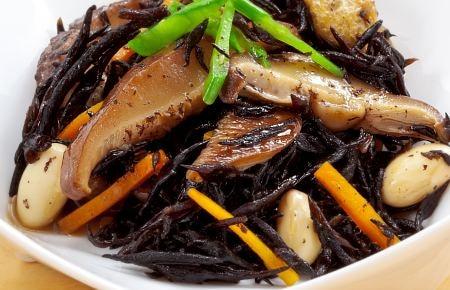 椎茸とひじきの煮物