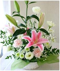 ピンクの百合のお供え花