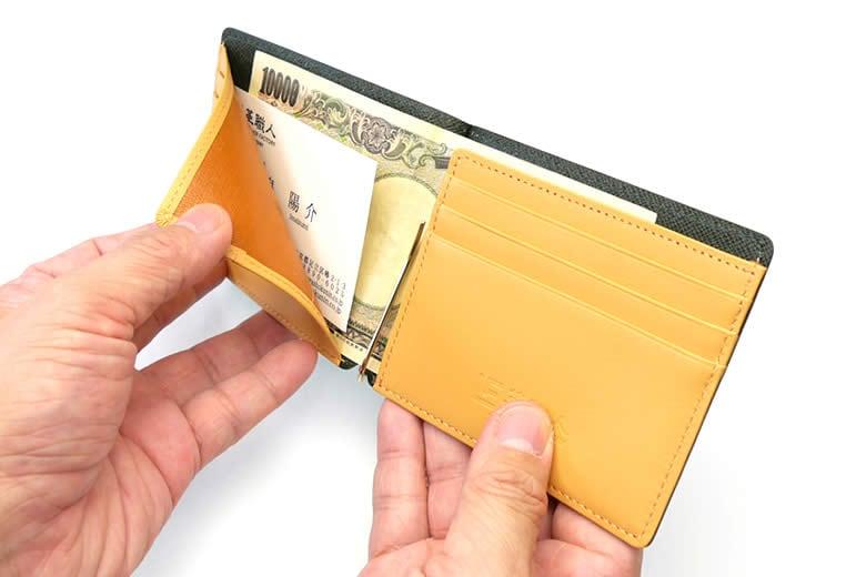 大きめカードも収納できます