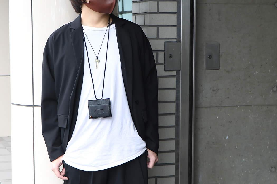 ネックウォレット 二つ折り財布 定期入れ パスケース 首 かける 掛ける 下げる メンズ ネックストラップ 革 本革 栃木レザー
